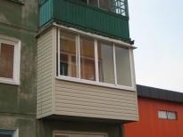 Отделка балконов и лоджий пластиковыми панелями под ключ.