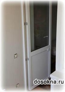Пластиковая дверь для балкона